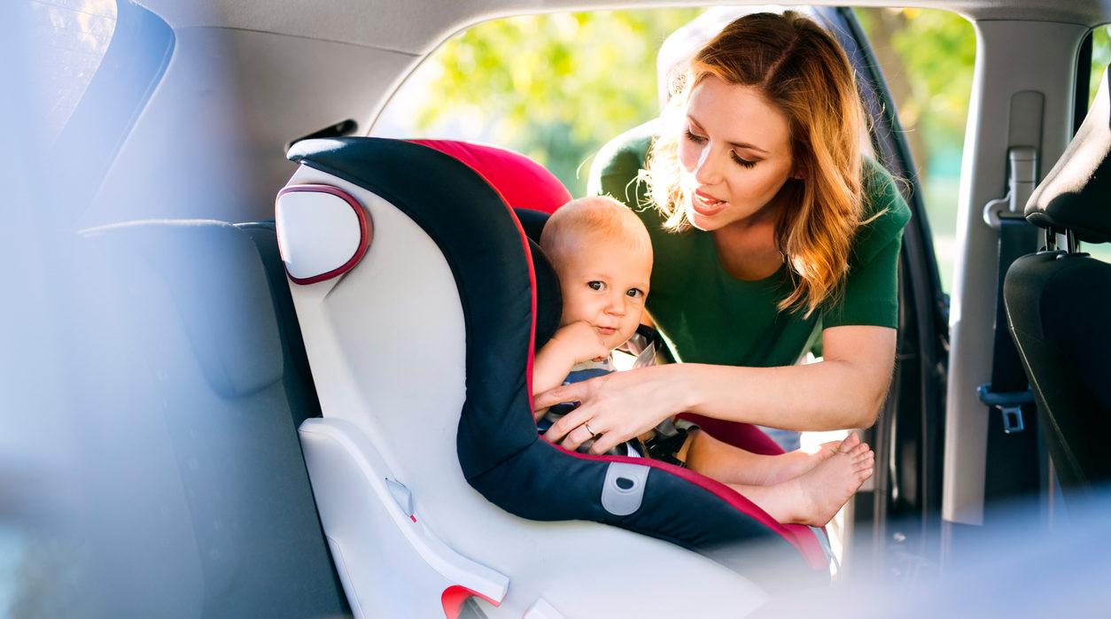 Comment utiliser un siège auto bébé