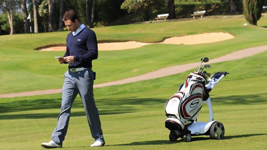 Comment utiliser un chariot de golf électrique ?